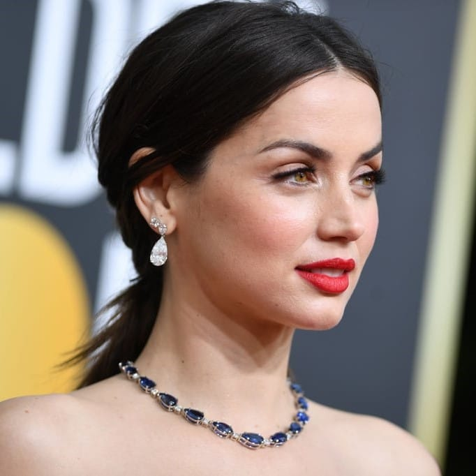 https://www.joshuajamesjewellery.co.uk/blog/wp-content/uploads/2020/01/Ana-de-Armas-at-2020-Golden-Globes2.jpg